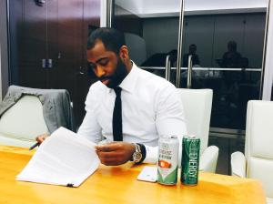 Revis Signs New Jets Contract.